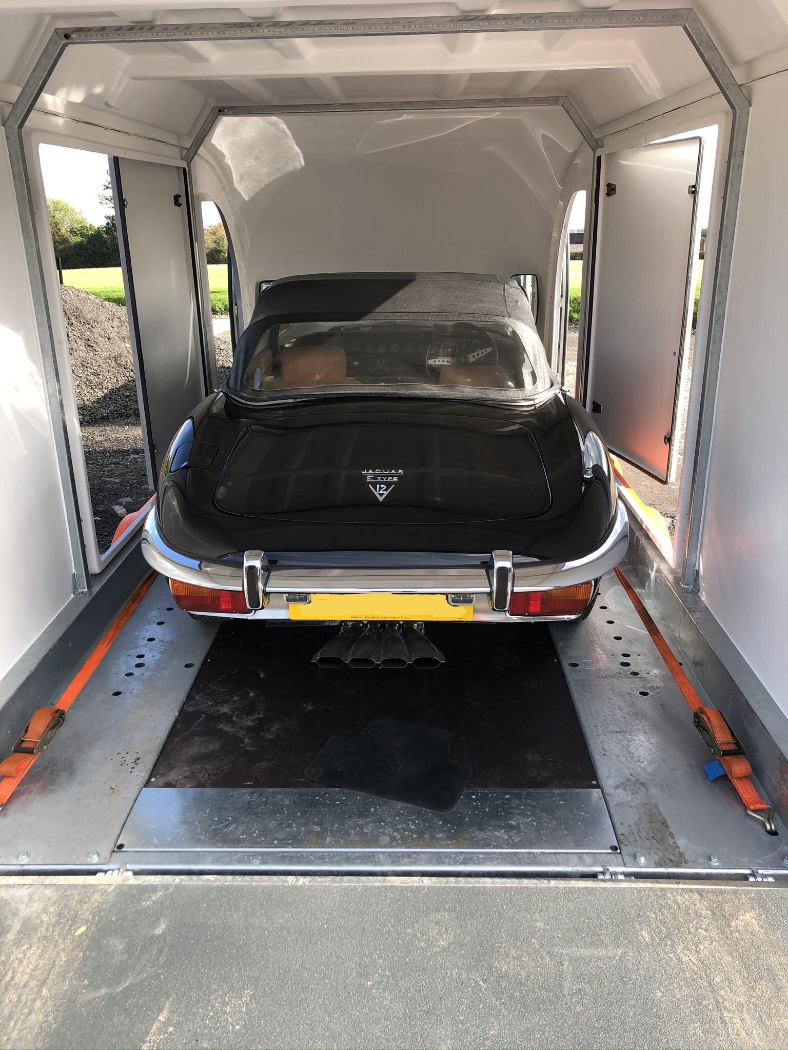 Enclosed car transport of Jaguar E-Type