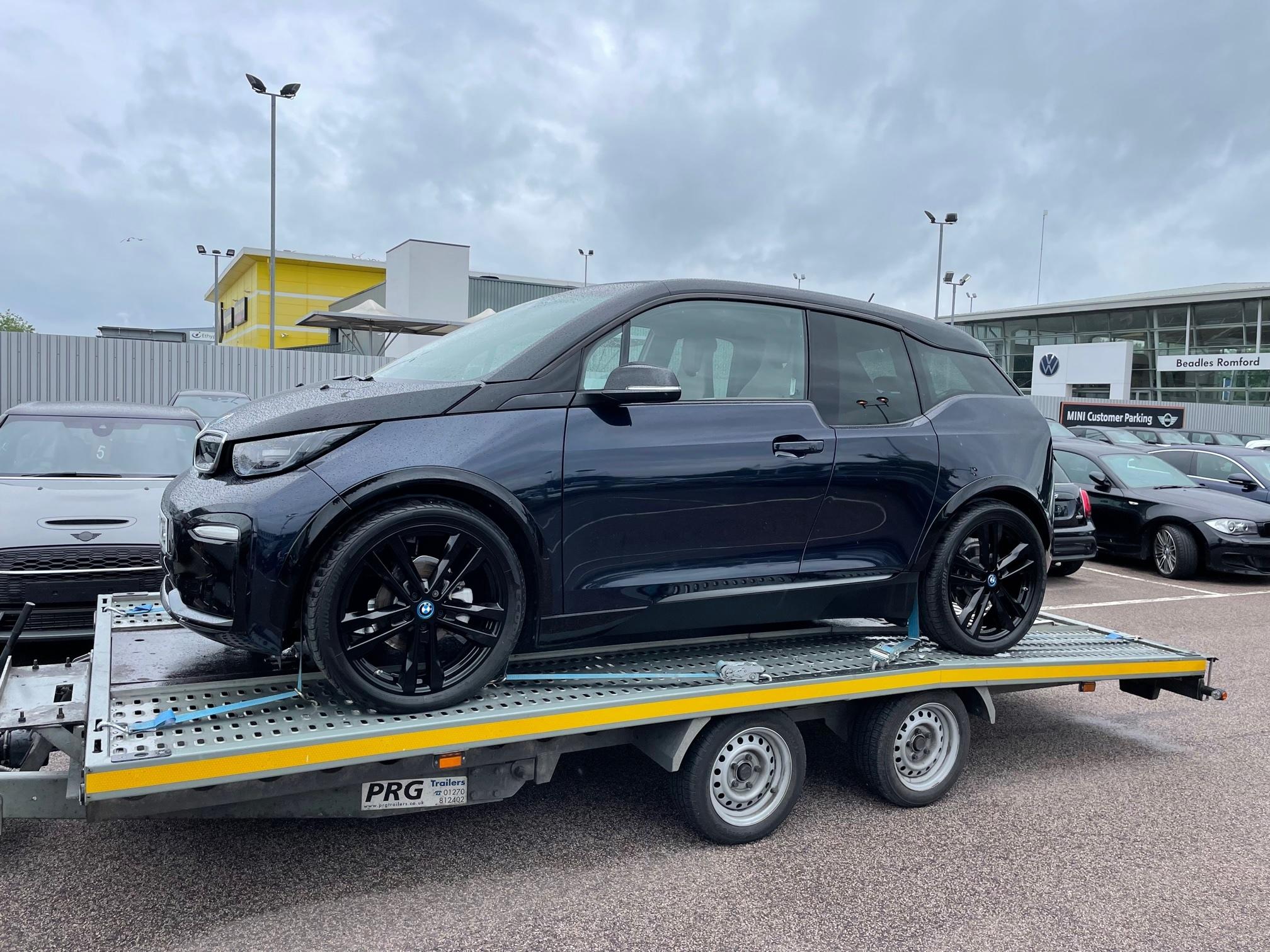 BMW i3s electric car transport