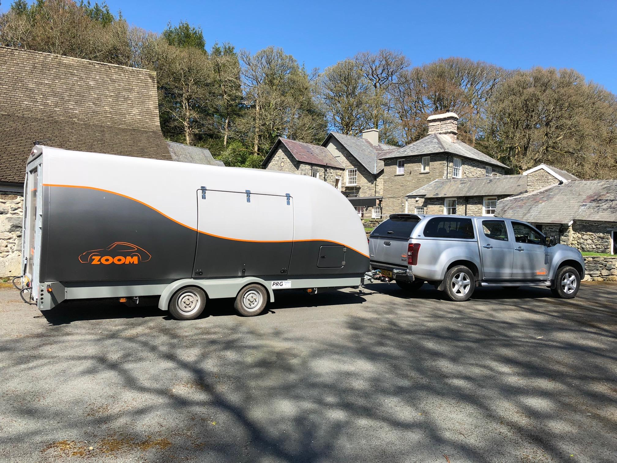 Zoom enclosed vehicle trailer