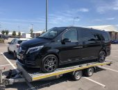 Mercedes Benz V Class transported by trailer
