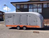Enclosed vehicle trailer
